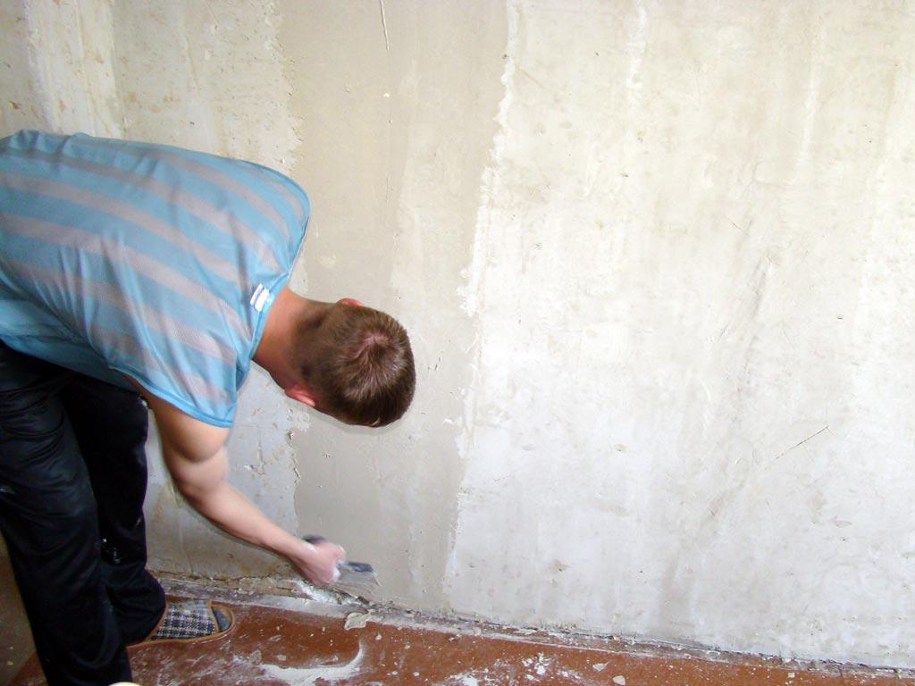 Как грунтовать стены перед поклейкой обоев и правила подготовки поверхности